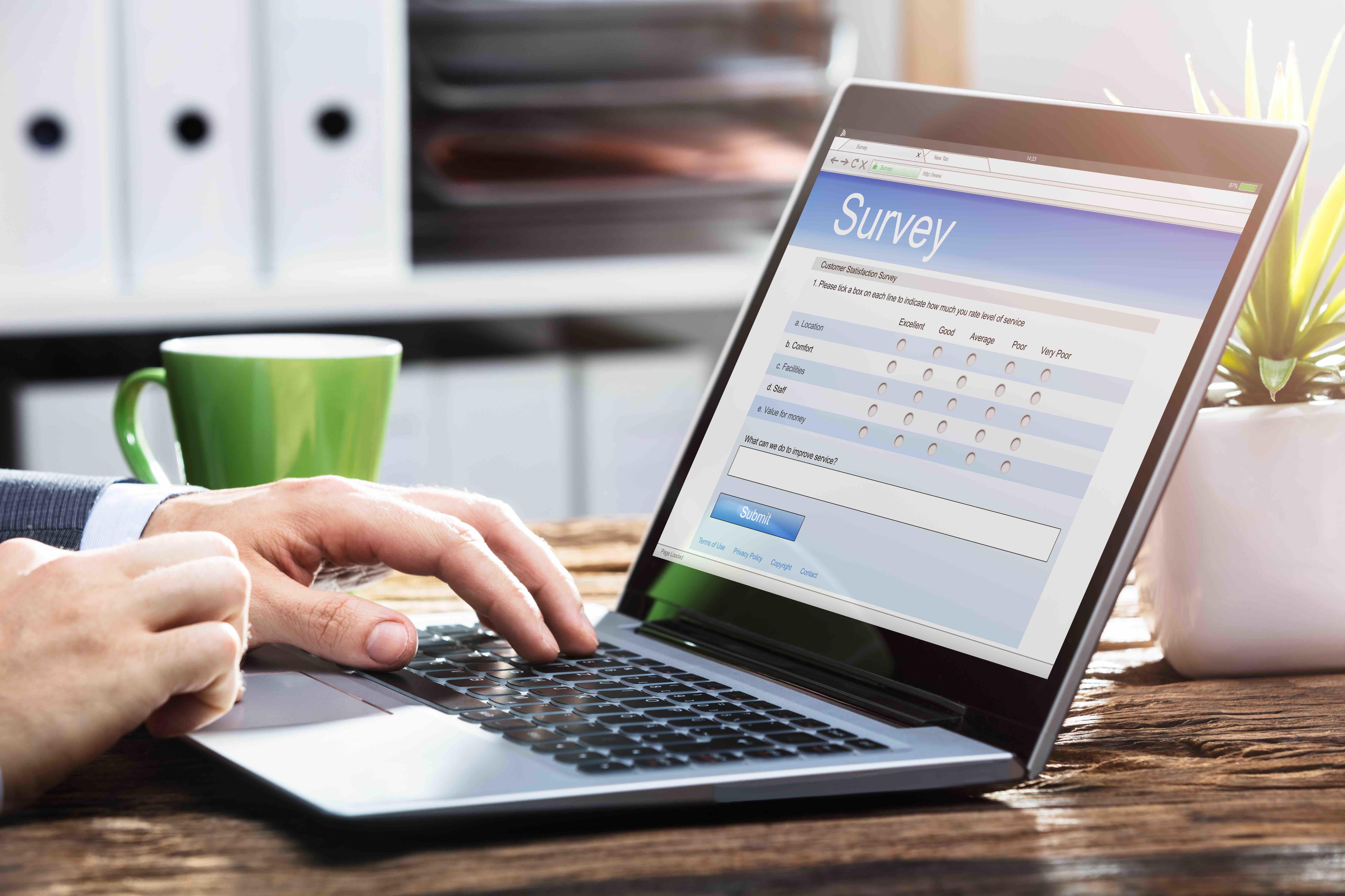 food-marketing-survey-research-laptop